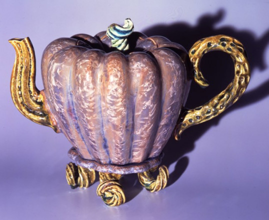 CINDERELLA'S CARRIAGE TEAPOT