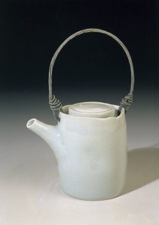 SMALL UPRIGHT TEAPOT