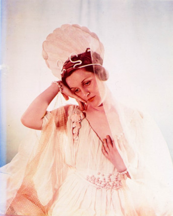 THE HON MRS BRYAN GUINNESS (LADY DIANA MOSLEY)  AS VENUS