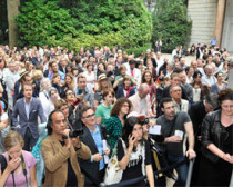 Crowds at the British Pavilion during the 2011 vernissage. 