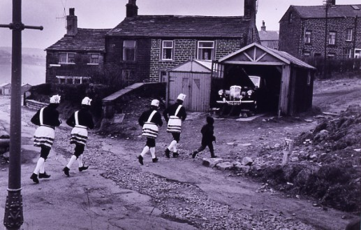 COCONUT DANCERS, BACUP