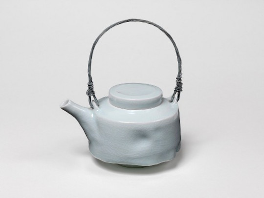 BLUE WHITE TEAPOT