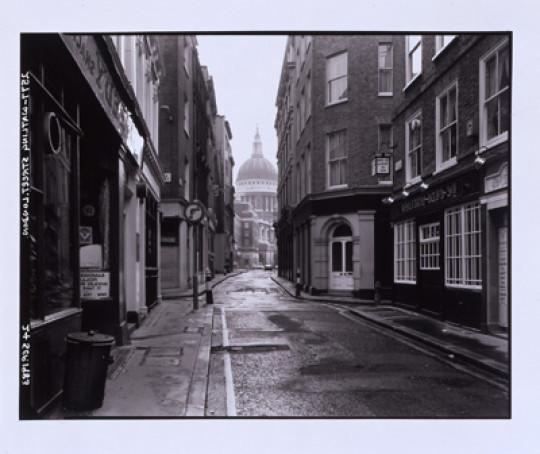 WATLING STREET, LONDON  24 SEPTEMBER 1983